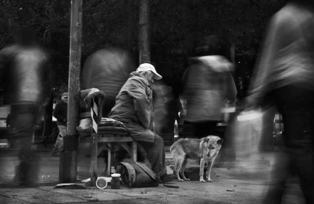 eduardo-asenjo-artistic-street-photography-13