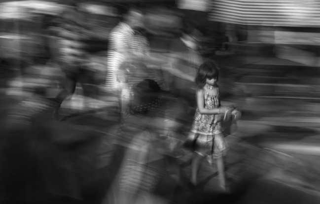 eduardo-asenjo-artistic-street-photography-17